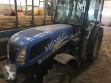 tracteur agricole nc NewHolland-T4040V