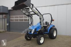 zemědělský traktor New Holland Boomer 3045