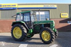 tracteur agricole John Deere 3040