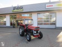 tracteur agricole Massey Ferguson MF 135