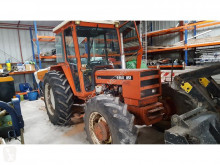 tractor agricol Renault 851.4