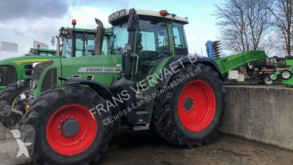 tracteur agricole Fendt 820