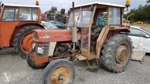 tracteur agricole Massey Ferguson 158