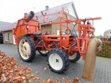 tractor agricol Renault 551