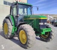 tractor agrícola antiguo John Deere