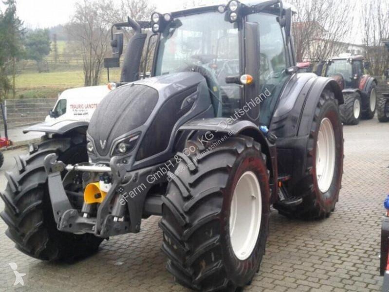 Vedeţi fotografiile Tractor agricol Valtra