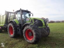 zemědělský traktor Claas AXION 940