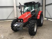 zemědělský traktor Massey Ferguson 5425