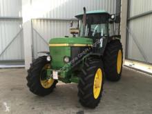 tracteur agricole John Deere 3050