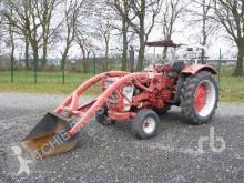 tracteur agricole International 523