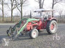 tracteur agricole International 624