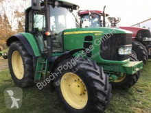 trattore agricolo John Deere 6530