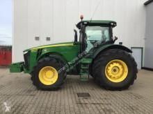 zemědělský traktor John Deere 8360R