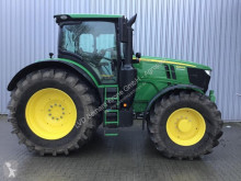 zemědělský traktor John Deere 6250R