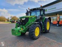 zemědělský traktor John Deere