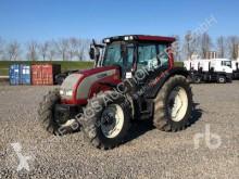 tracteur agricole Valtra T121