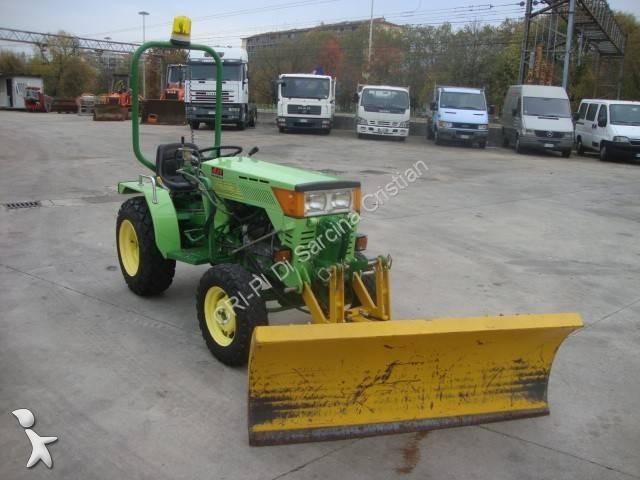 tracteur agricole occasion ferrari 1110 30cv annonce n 2304953. Black Bedroom Furniture Sets. Home Design Ideas