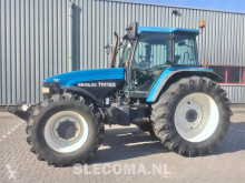 Voir les photos Tracteur agricole New Holland TM165