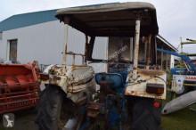 Bekijk foto's Landbouwtractor Ford 2000