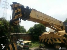 Grove self-erecting crane