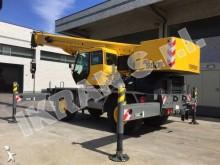 Grove mobile crane
