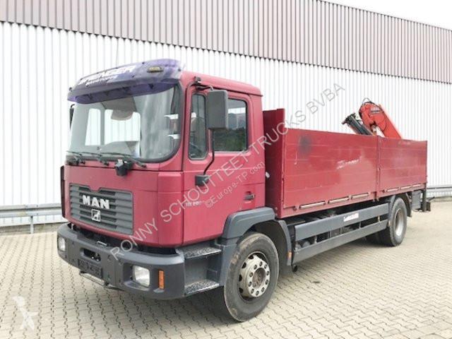 Voir les photos Camion MAN 18.284 4x2 MLC 18.284 4x2 MLC mit Heckkran Tirre Euro 111