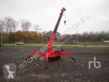 Unic crawler crane