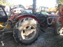 Massey Ferguson Traktor für Obstanbau