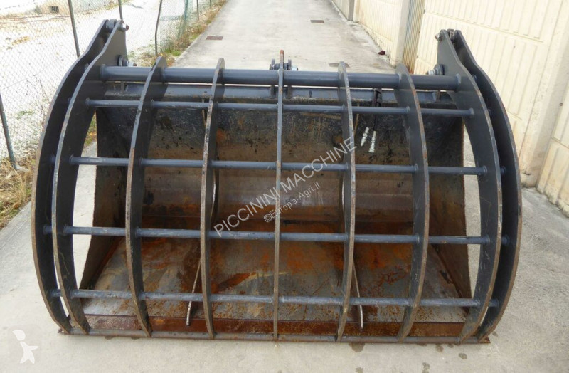 Zobaczyć zdjęcia Urządzenia do hodowli zwierząt Tre Emme Merlo 2500 LT