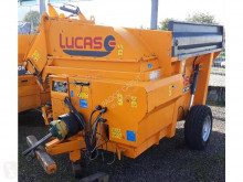 Lucas Silage feeder