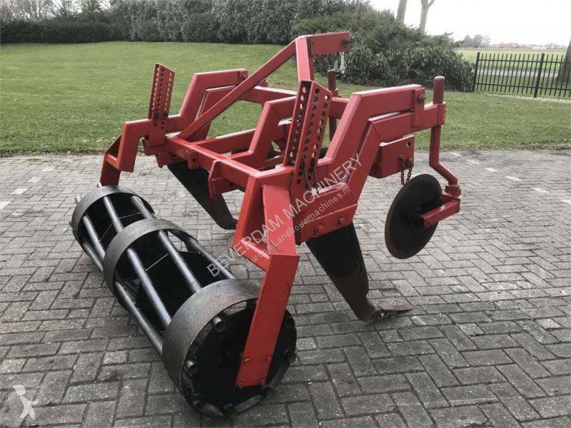Bekijk foto's Grondbewerkingsmachines Evers Graslandbeluchter