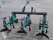 outils du sol nc EKIW Hackmaschine 3 Reihen/Pielniko-obsypnik 3 rzędowy/Pololnik neuf