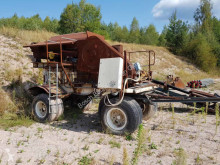 breken, recyclen onbekend Jaw crusher on trailer