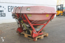 auctions Other seed drill used n/a n/a Trioliet TST Kunstmeststrooier - Ad n°3102534 - Picture 1