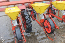 auctions seed drill used Becker n/a Centra Drill 12-rijen Bietenzaaimachine - Ad n°3102518 - Picture 10