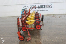auctions seed drill used Becker n/a Centra Drill 12-rijen Bietenzaaimachine - Ad n°3102518 - Picture 2