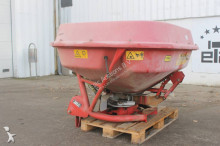 auctions Other seed drill used n/a n/a Trioliet TST Kunstmeststrooier - Ad n°3102534 - Picture 2