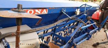Voir les photos Semoir Fiona D-78/300 siewnik zboża 25 lejkow Bardzo dobry stan znaczki hydrauliczne licznik sulky