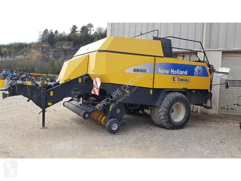 Voir les photos Fenaison New Holland BB 960