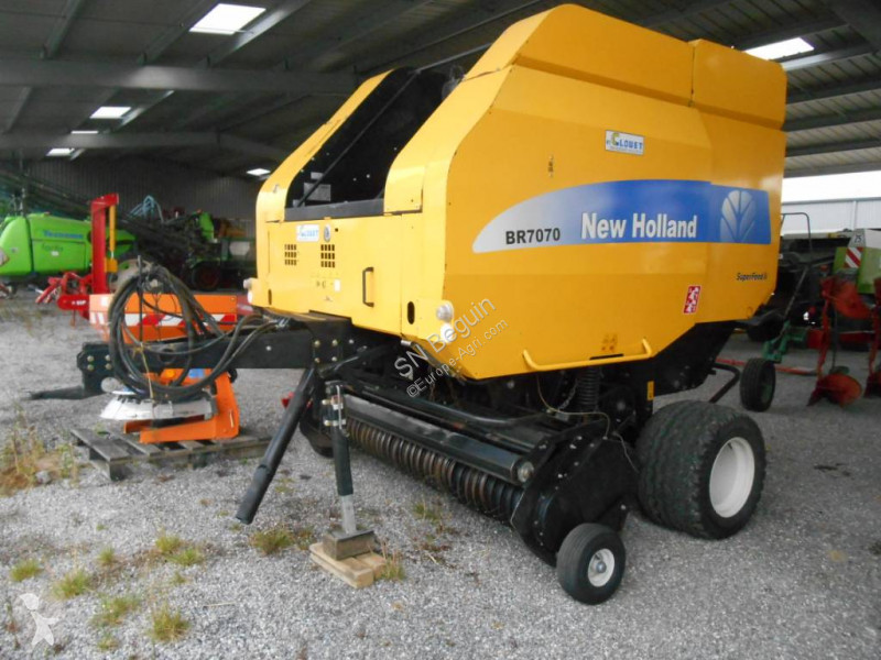 Fenaison New Holland BR 7070