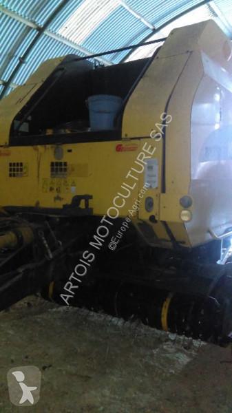 Voir les photos Fenaison New Holland BR 750