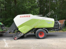 Claas Quadrant 3200 RC haymaking
