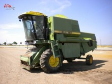 John Deere Maize header