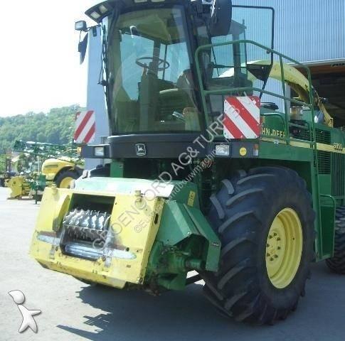 John Deere 6850 harvest