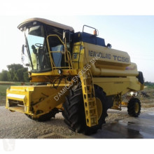 New Holland TC 56 HYDRO PLUS harvest