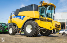 New Holland CX 8080 -2013 ROK - VARIO 7,5 M + CORN POWER 8-70 CM