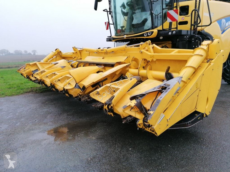 Voir les photos Moisson New Holland MF875W