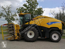 Ensileuse automotrice New Holland