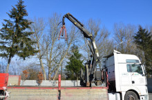 wyposażenie ciężarówek wysięg pomocniczy Hiab