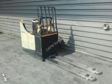 Crown pallet truck